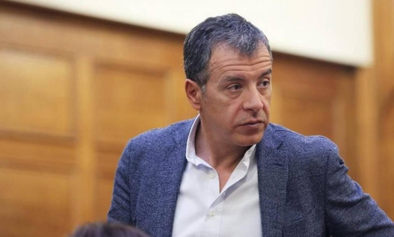 Θεοδωράκης: Παράλογο το μπόνους των 50 εδρών