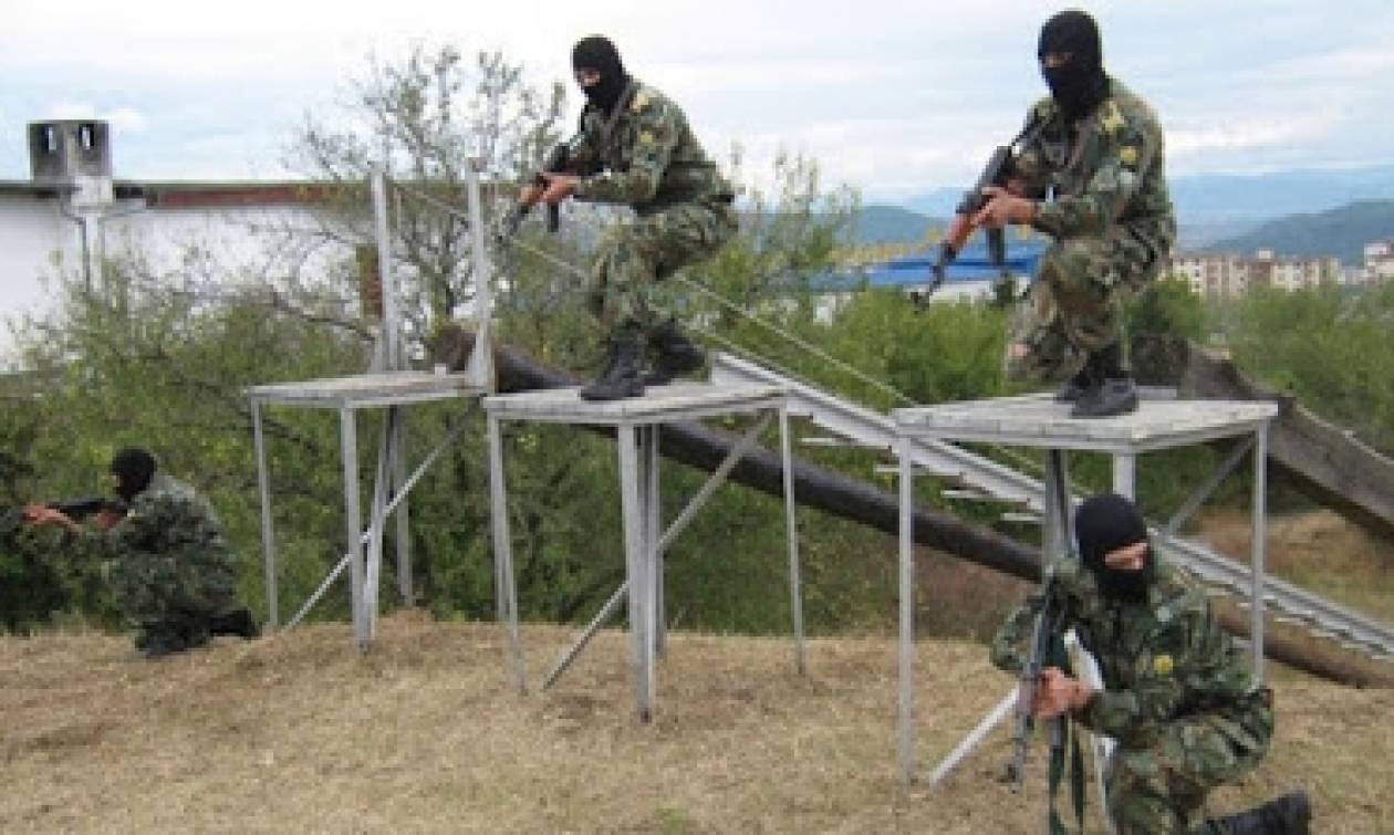 Βουλγαρική άσκηση της πολεμικής αεροπορίας με ρίψη αλεξιπτωτιστών