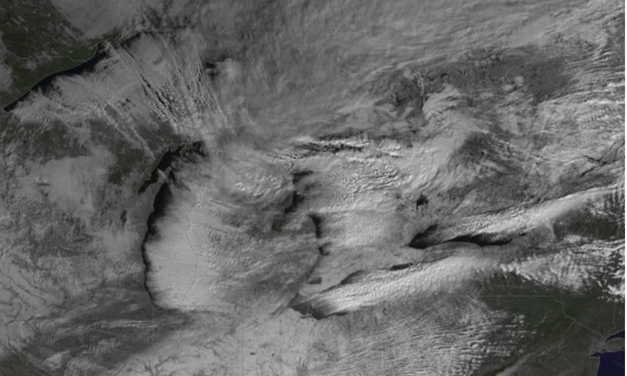 Ο καιρός τρελάθηκε: Μετά τον καύσωνα, το φαινόμενο «Lake Effect» θα «σαρώσει» τη χώρα!