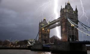 Δημοψήφισμα με... πλημμύρες στη Βρετανία! (pics+vid)