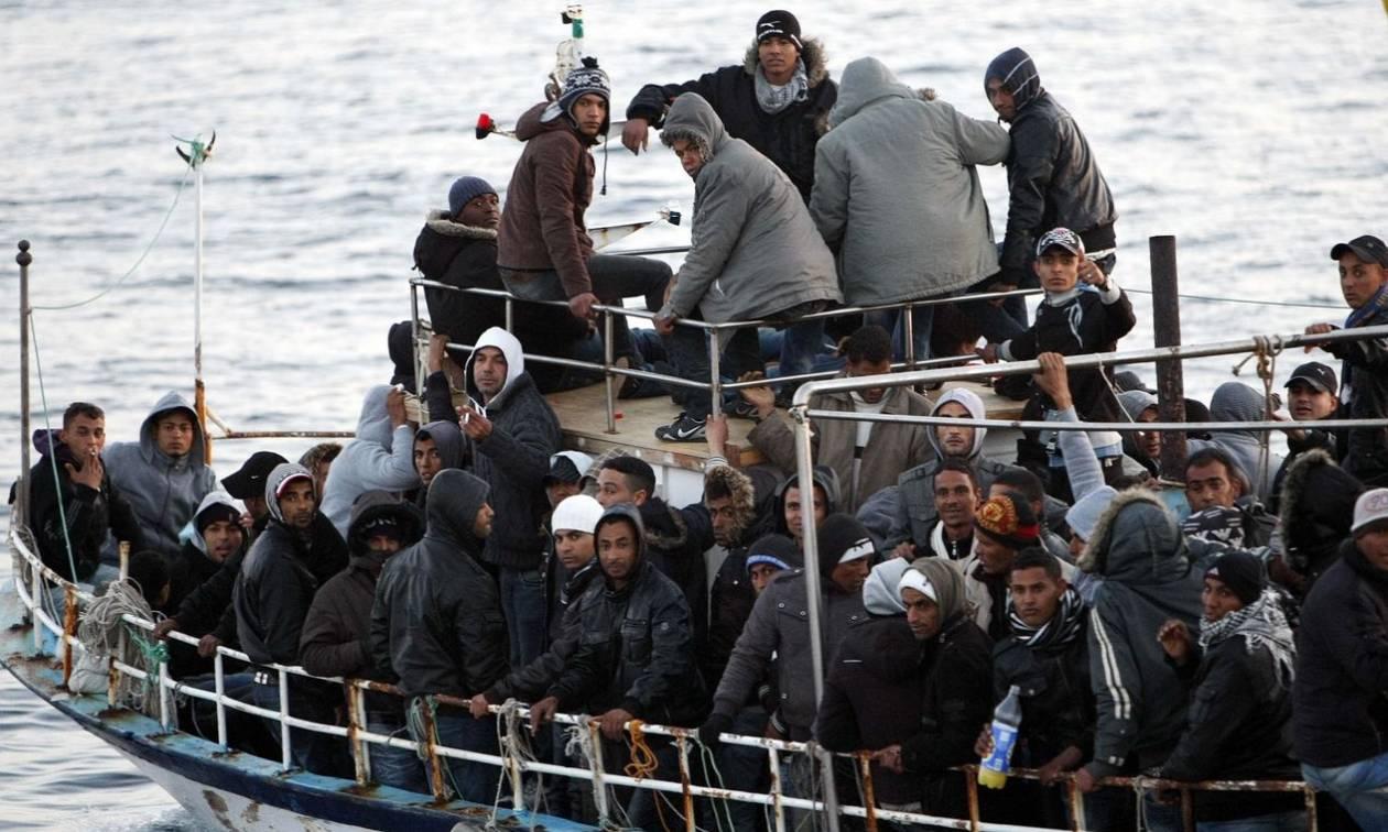Ιταλία: Χιλιάδες μετανάστες διασώθηκαν την Πέμπτη στη Μεσόγειο
