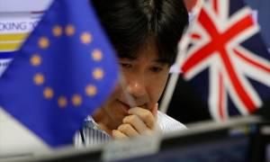 Χρηματιστήριο Ιαπωνίας: Ξαφνική «βουτιά» κάνει ο Nikkei υπό το φόβο του Brexit