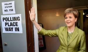 Brexit: Ντόμινο εξελίξεων - Υπονοούμενα για απόσχιση Σκωτίας και Βορείου Ιρλανδίας από τη Βρετανία