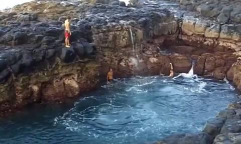 Τρομακτικό βίντεο: Βουτία στην «πισίνα του θανάτου»
