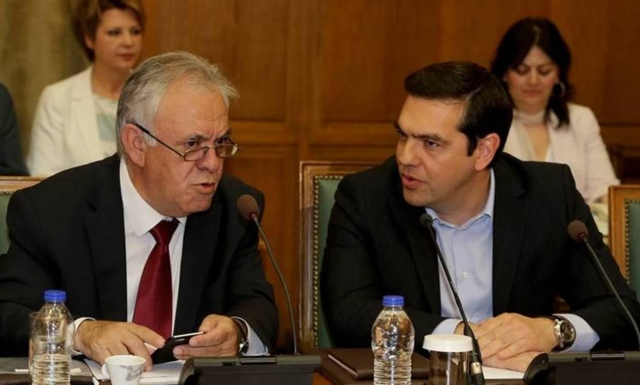 Το παρασκήνιο πριν από την ανακοίνωση του δημοψηφίσματος στην Ελλάδα τον Ιούνιο του 2015