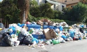 Επίσκεψη Κουρουμπλή εκτάκτως στην Κέρκυρα για τα σκουπίδια
