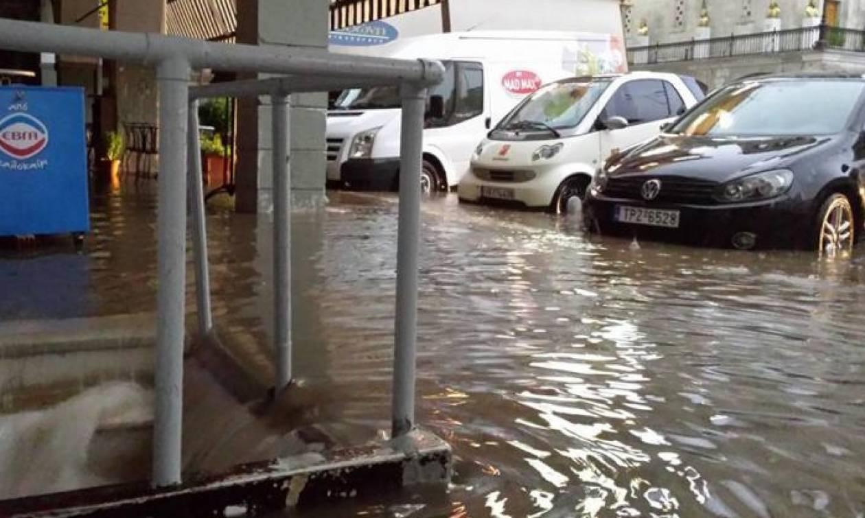 Σύσκεψη για παροχή βοήθειας στη Μεγαλόπολη που «πνίγηκε» από την κακοκαιρία