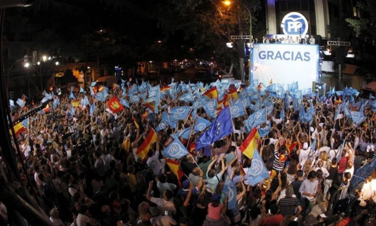 Εκλογές Ισπανία: Ενισχυμένη νίκη του Ραχόι, ψυχρολουσία για τους Ποδέμος (Pics & Vid)
