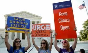 ΗΠΑ: Aντισυνταγματικός ο νόμος για τις αμβλώσεις στο Τέξας