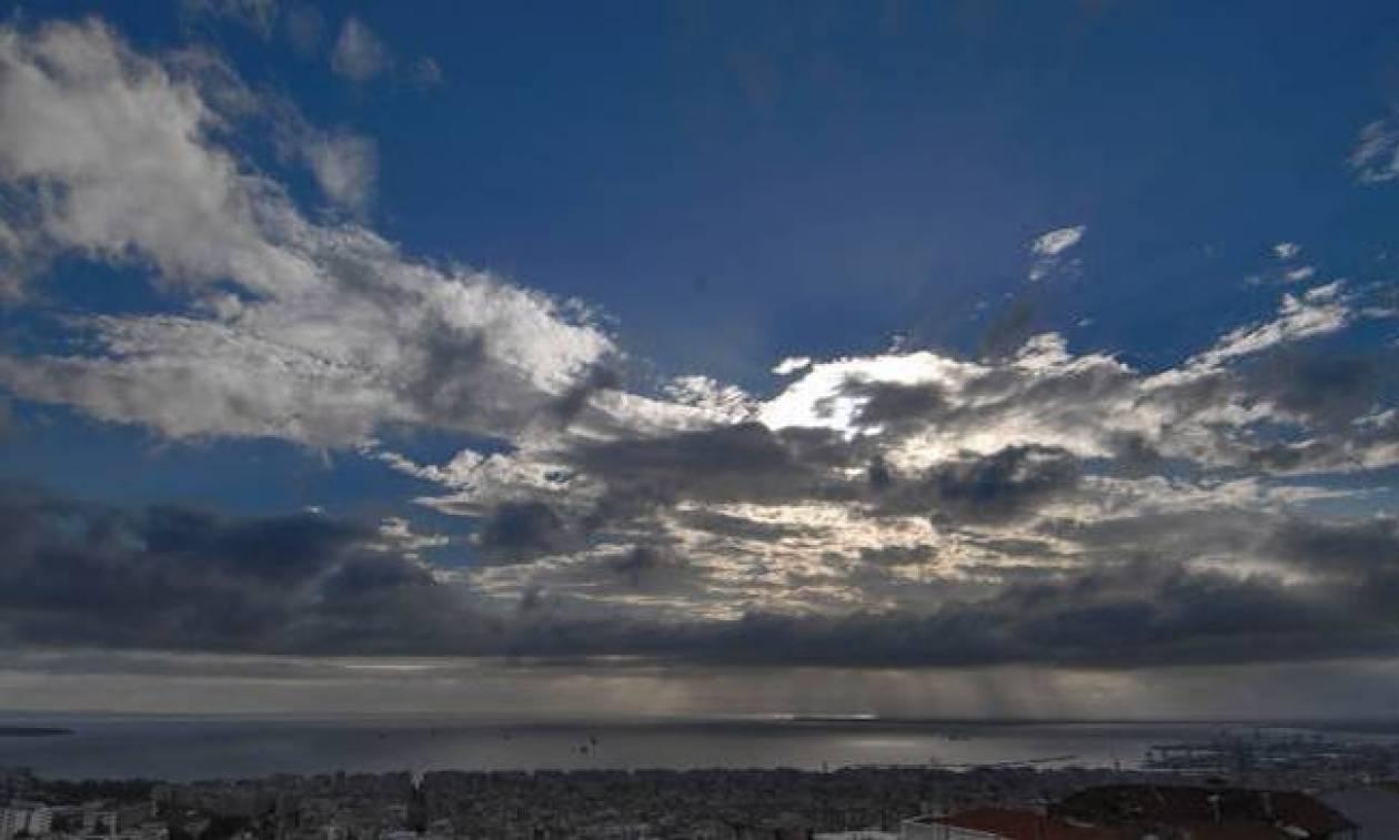 Ο καιρός τρελάθηκε: Με ζέστη και καταιγίδες η Τρίτη - Δείτε που θα σημειωθούν τα φαινόμενα (pics)