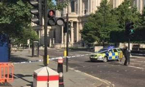 Συναγερμός στο Λονδίνο: Βρέθηκε ύποπτο πακέτο στο κέντρο της πόλης
