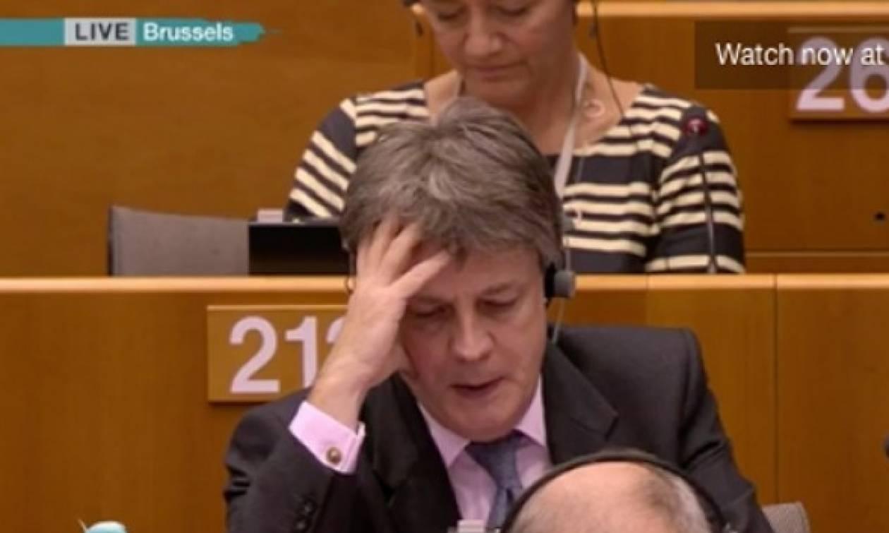 Συγκλονιστικό: Ο Βρετανός Επίτροπος ξεσπά σε κλάματα στο Ευρωκοινοβούλιο! (vid)