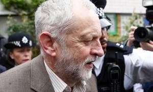 Βρετανία: Οι Εργατικοί γύρισαν την πλάτη στον Κόρμπιν - Δεν φεύγω λέει ο ίδιος