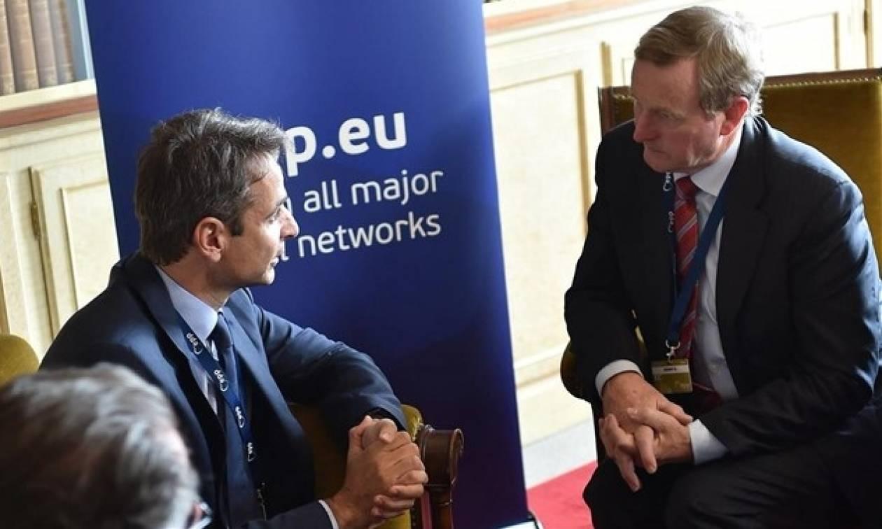 Συνάντηση Μητσοτάκη με τον πρωθυπουργό της Ιρλανδίας στις Βρυξέλλες
