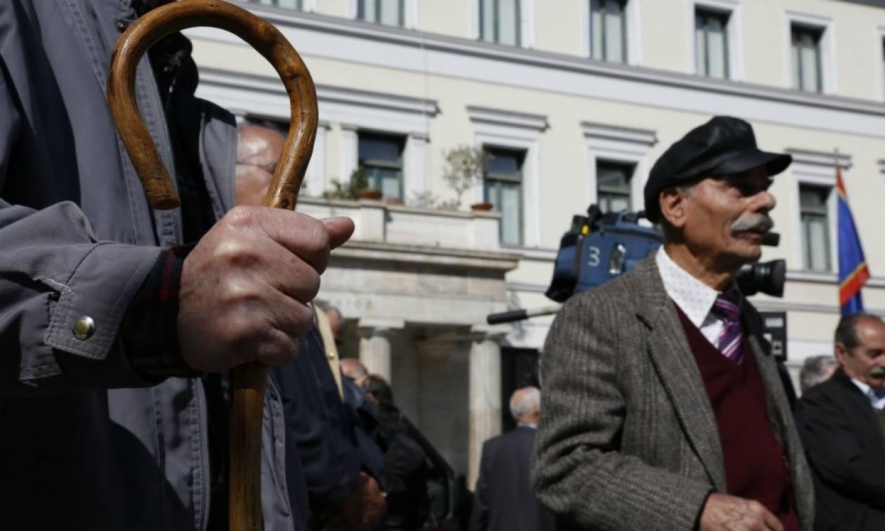 «Αριστερή» ληστεία για χιλιάδες συνταξιούχους: Από 810 στα 420 ευρώ η σύνταξη