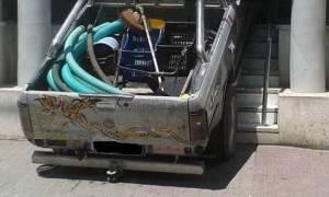 Γιαννιτσά: 49χρονος «μπούκαρε» με αυτοκίνητο σε τράπεζα (pics&vid)