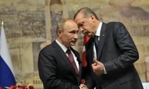 «Βόμβα» για τον ελληνικό τουρισμό: Ελευθέρας Πούτιν σε Ρώσους για διακοπές στην Τουρκία