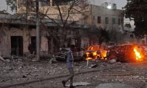 Σομαλία: Τουλάχιστον 18 νεκροί από έκρηξη βόμβας σε λεωφορείο