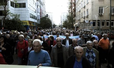 Τα ψέματα Τσίπρα για τις συντάξεις: Ούτε ένα ευρώ μείωση σε συντάξεις και μισθούς