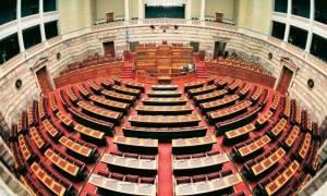 Εκλογικός νόμος: Απλή αναλογική και ψήφο στα 17 προτείνει η κυβέρνηση
