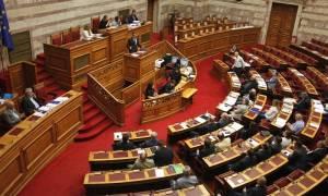 Γιατί «άδειασαν» τα έδρανα της ΝΔ την ώρα που μιλούσε ο Κυριάκος Μητσοτάκης;