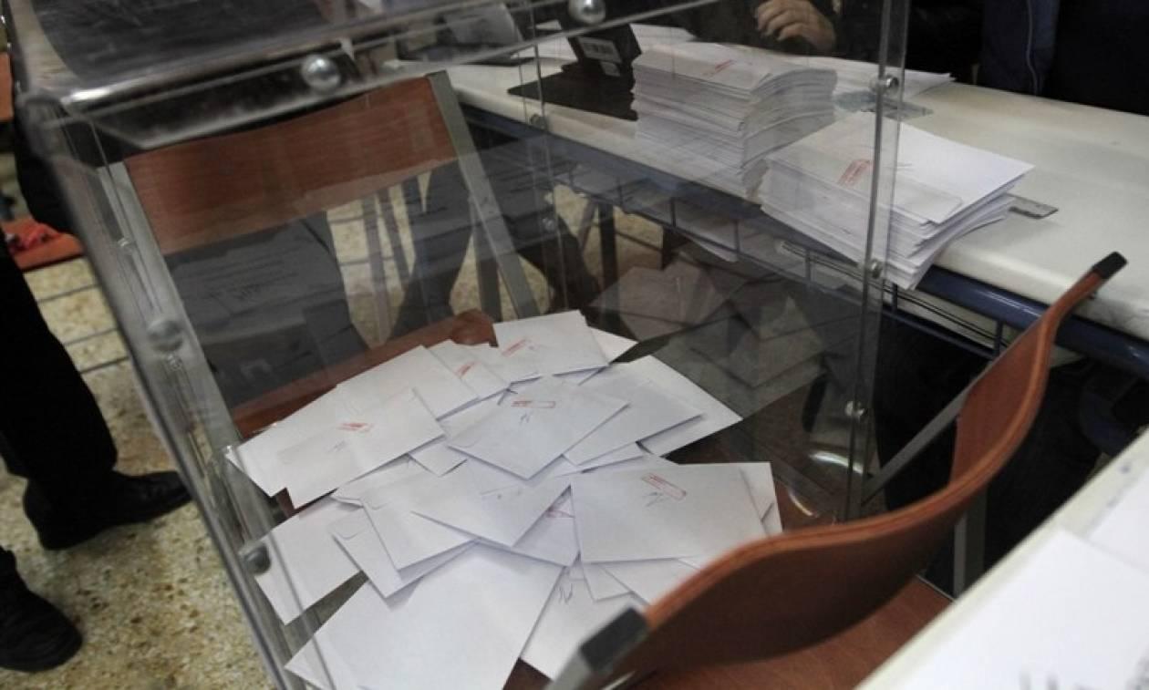 «Θρίλερ» με τον εκλογικό νόμο της κυβέρνησης - Δεν βγαίνει η πλειοψηφία των 200 βουλευτών
