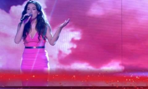 The X Factor: Ημιτελικός: Τάνια Μπρεάζου: Εκπληκτική η εμφάνιση της – Εντυπωσίασε τους κριτές