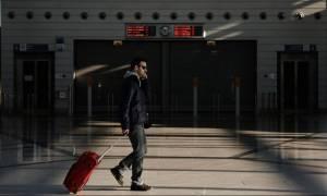 Οι Έλληνες εγκαταλείπουν την χώρα - Στοιχεία «σοκ» για το μαζικό κύμα φυγής