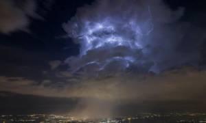 Μυστηριώδη σύννεφα πάνω από το CERN πυροδοτούν θεωρίες ότι άνοιξε πύλη σε άλλη διάσταση! (Pic & Vid)
