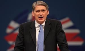 Στήριξη του ΥΠΕΞ της Βρετανίας στην Τερέζα Μέι για την πρωθυπουργία
