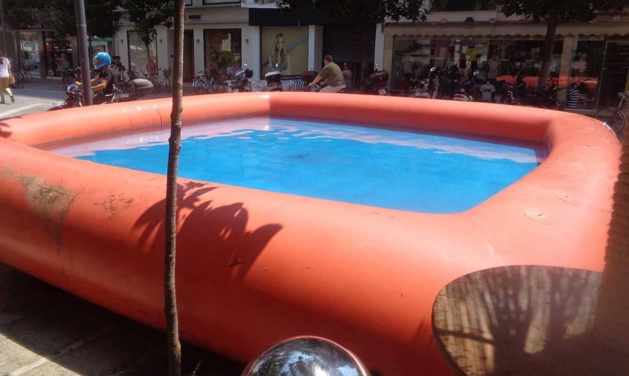 Τρίκαλα: «Έσκασε» η πισίνα και πλημμύρισε ο δρόμος! (vid)