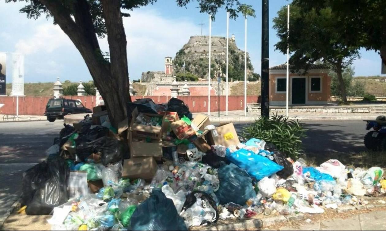 Κέρκυρα: Ατέλειωτη «μάχη» δήμου και πολιτών με τα σκουπίδια