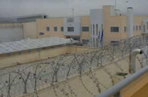 Φυλακές Δομοκού: Αιματηρή συμπλοκή κρατούμενων στο προαύλιο