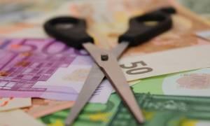 Ασφαλιστικές εισφορές: Στα 100 ευρώ του μισθού τα μισά τα παίρνει το κράτος