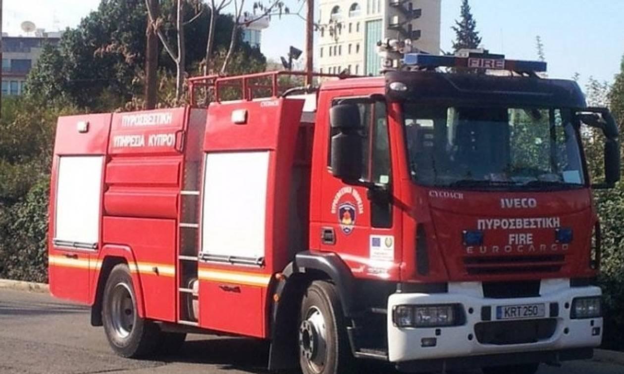 Ηράκλειο: Φωτιά σε λεωφορείο ενώ βρισκόταν εν κινήσει