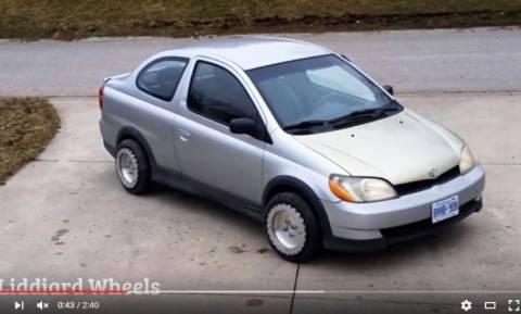 Viral Video: Δεν έχετε ξαναδεί αυτοκίνητο να κάνει κάτι τέτοιο και αυτό είναι υπόσχεση!