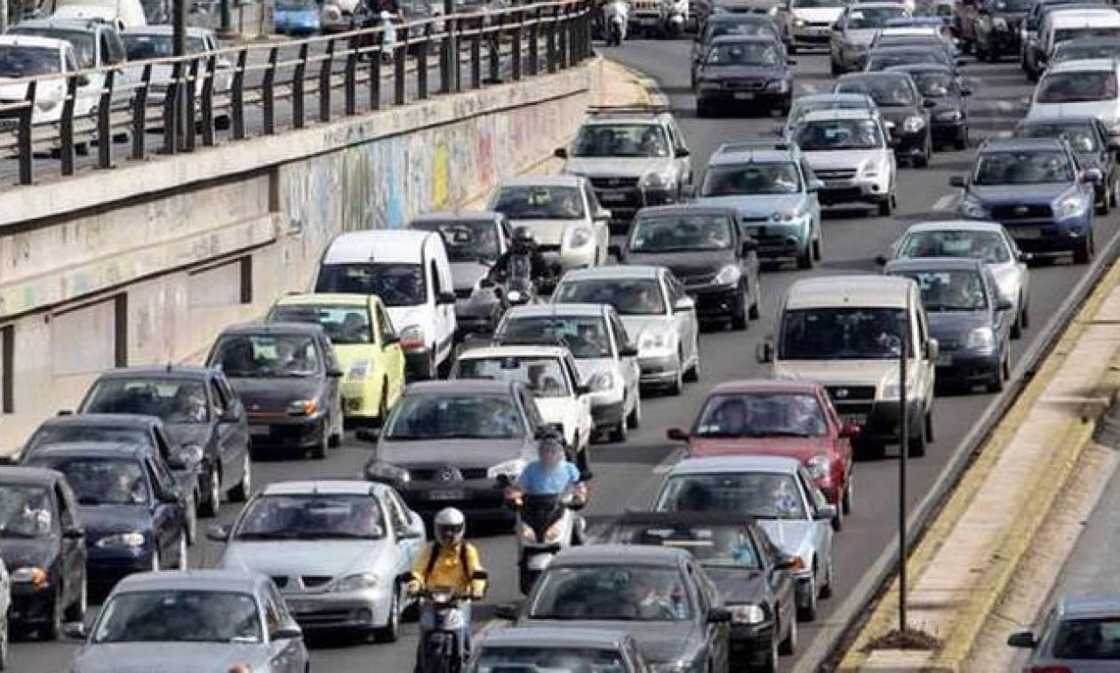 Κυκλοφοριακό κομφούζιο στους δρόμους της Αθήνας