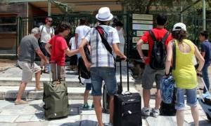 Προβληματισμός για την τουριστική περίοδο στο μέσον της σεζόν