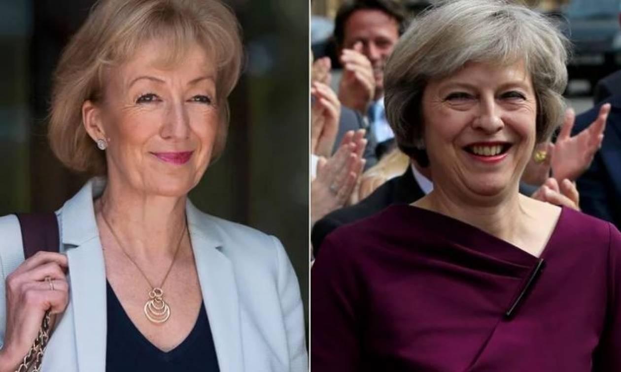 Ξυπνούν μνήμες από… Θάτσερ στη Βρετανία: Δύο γυναίκες θα αναμετρηθούν για την πρωθυπουργία (vid)