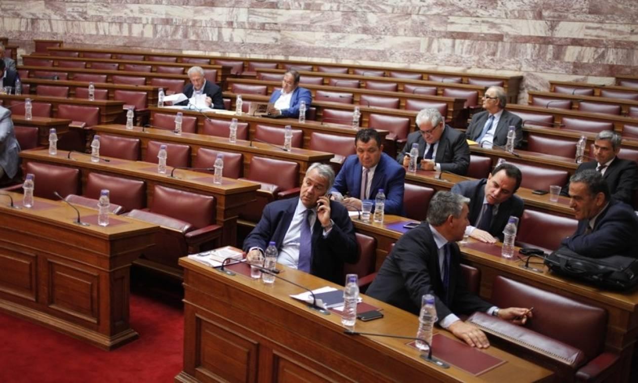 Live: Η συζήτηση στη Βουλή για τον εκλογικό νόμο