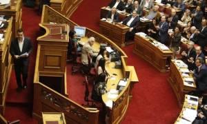 Εκλογικός νόμος: Χειρονομίες καλής θέλησης απο την κυβέρνηση για να «βρει» 200 ψήφους