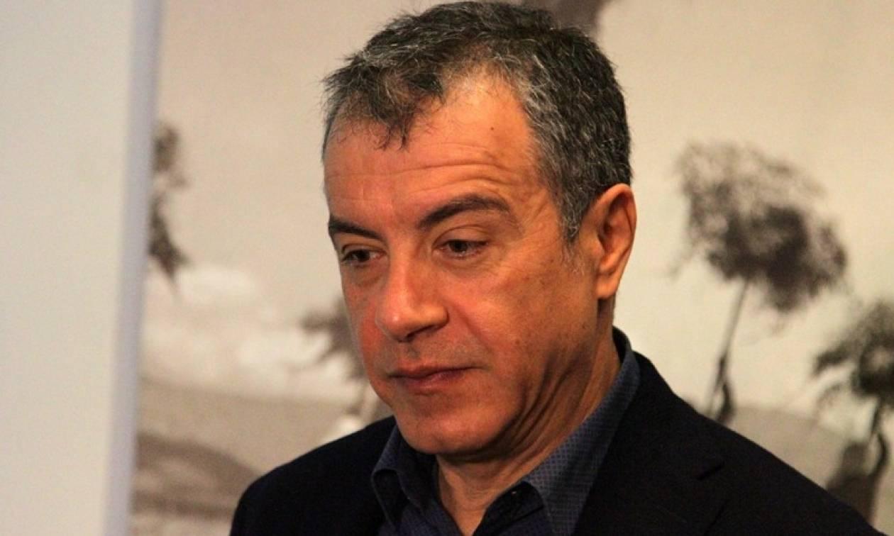 Θεοδωράκης: Κουτοπονηριά της κυβέρνησης η ψήφος στους 16ρηδες