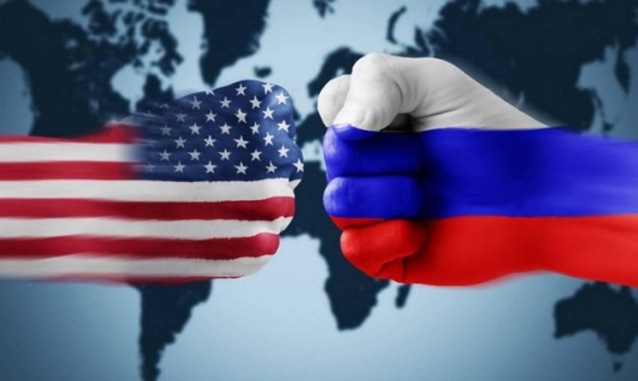 Αναβιώνει το ψυχροπολεμικό κλίμα: Απελάθηκαν Ρώσοι διπλωμάτες από τις ΗΠΑ (Vid)