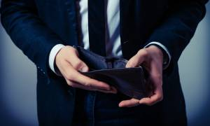 Φούσκα χρεών: όλοι χρωστούν σε όλους