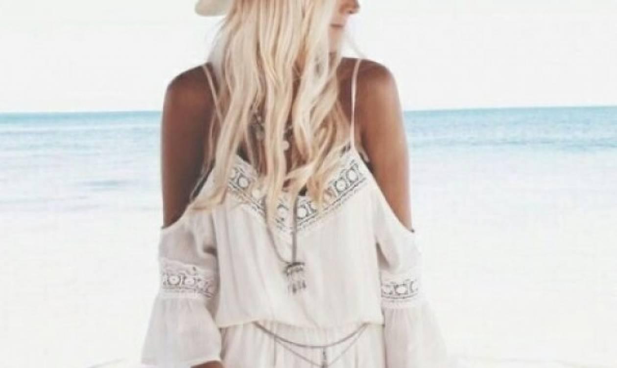 Τέσσερα πράγματα που απαγορεύεται να φορέσεις στην παραλία!