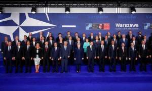 NATO: Διάλογος με τη Ρωσία παρά τη στρατιωτική ενίσχυση