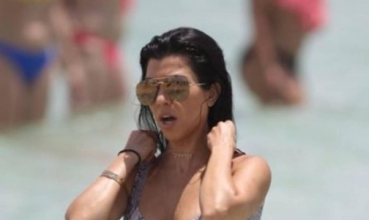 Αποκάλυψη τώρα: Να πως είναι το σώμα της Kourtney Kardashian χωρίς photoshop!
