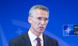 Σύνοδος ΝΑΤΟ - Στόλτενμπεργκ: Παρατείνεται ως το 2017 η στρατιωτική αποστολή στο Αφγανιστάν