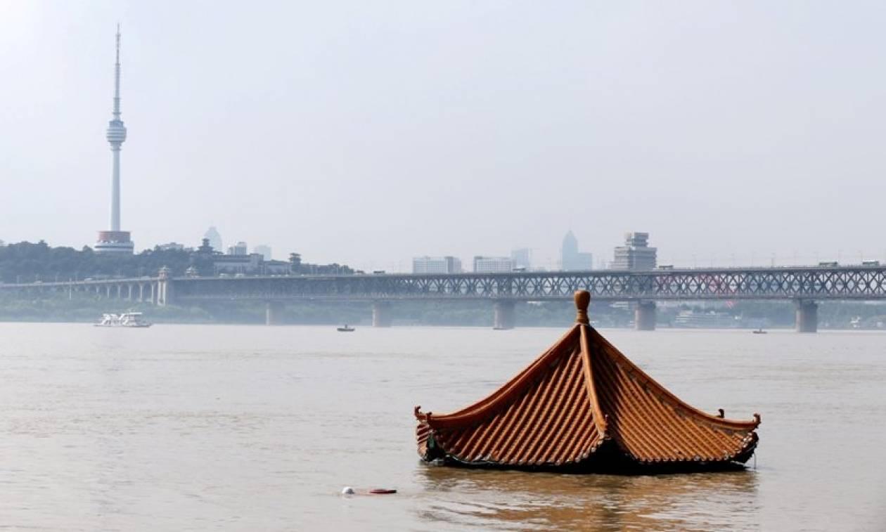 Κίνα: Στο έλεος των πλημμυρών - Τουλάχιστον 160 νεκροί (pics+vid)