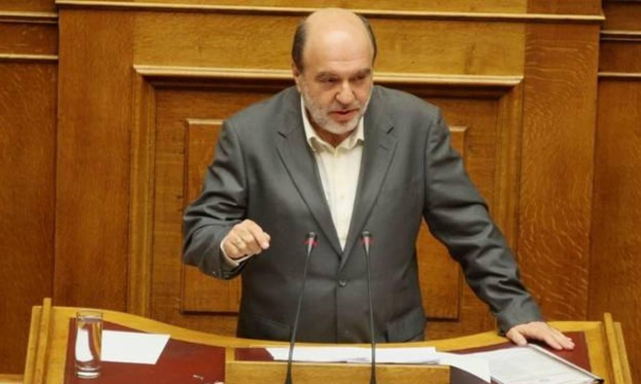 Αλεξιάδης: Έρχονται τα νομοσχέδια για το πλαστικό χρήμα και την πάταξη του λαθρεμπορίου καπνικών